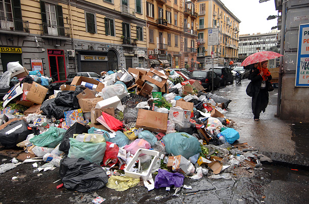 An example of how garbage filled the streets.